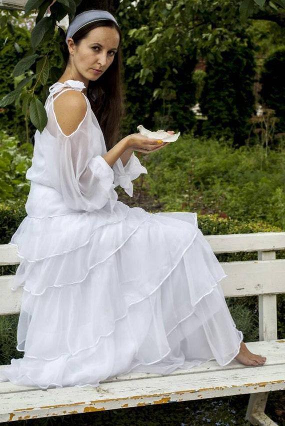 Woman vintage wedding dress italian wedding ruffles dress for Vintage italian wedding dresses