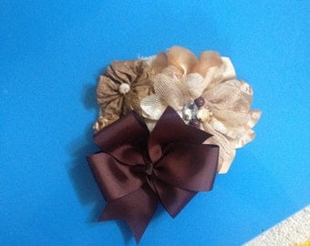 Brown cluster hairbow