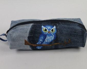 Boxy pencil case. Pencil case. Denim zippered pencil case with an owl. Denim pouch.