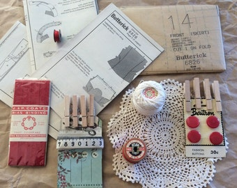 Vintage sewing & styling pack/ sewing ephemera/ sewing pattern/ vintage paper/ buttons/cotton reel/ vintage doily