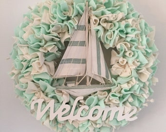 Nautical wreath, sail boat wreath, rag wreath, gift for sailor, sailing enthousiast, door decor, wall decor, boat wreath, welcome wreath