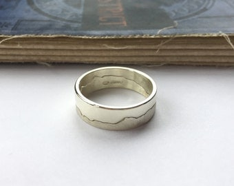 9ct White Gold Personalised Mountain Landscape Ring