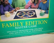 1992 Trivial Pursuit//Family Edition Master Game//Horn Abbot Ltd.//Vintage Board Game
