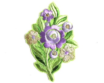 1930s Flower applique, Vintage embroidered applique. Vintage floral patch, sewing supply. #641G86K16
