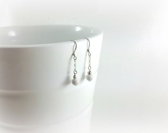 dangling earrings sterling silver, Pearl silver, evening jewel, discreet