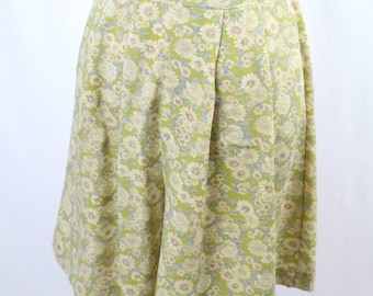 Vintage Green Floral Culottes / Shorts Size S