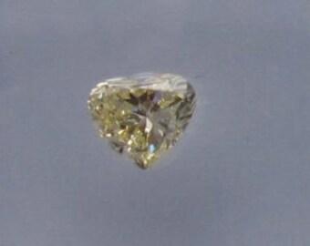 0.42ct heart GIA  Fancy Light Yellow VS2  !!