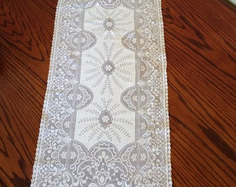 Antique Vanity Scarf Crocheted Vintage Lace Table Runner Filet Lace Antique Linens Dresser Scarf Shabby & Chic Victorian Decor
