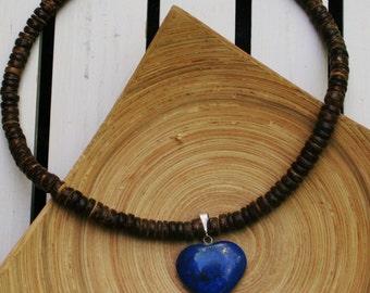 Coconut Necklace With Lapis Lazuli