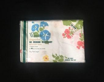 NIP | Twin Size | Flat Sheet | Wamsutta Superlin | Geranium Floral