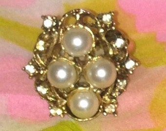 Vintage Gold tone and Pearl Ring