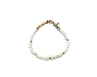 Mother of pearl, sterling silver and gold filled handmade beaded stackable bracelet - semiprecious-white and gold - bridesmaid gift- Ostrica