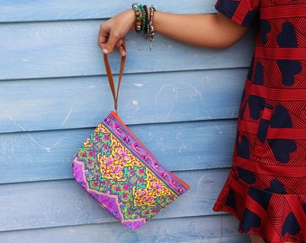 In Trend Fashion Clutch Printed Fabric With Leather Strap