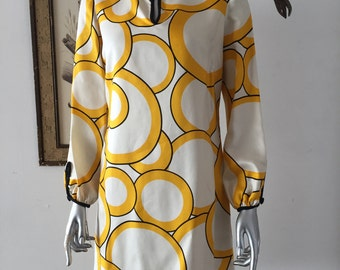 Super Mod Op Art Print Shift Dress with Tassel Tie
