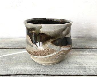 Black and White Tumbler Pottery Cup Home Decor Accent