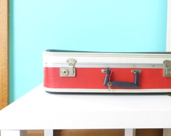 PATRIOTIC vintage suitcase // Red White and Blue Luggage // 1960's // WITH KEY
