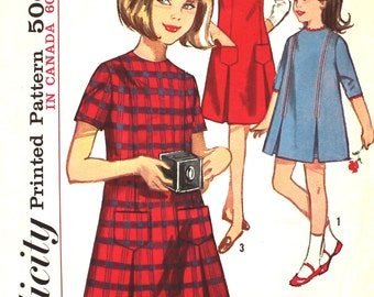 Cute Girl's 1960's Dress or Jumper Size 6 Simplicity 5599