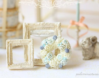 Dollhouse Miniature Flowers - White and Blue Rose Wreath 1/12 Scale Miniatures