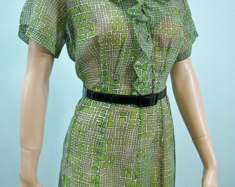 Vintage 40s 50s Dress. Ruffled Neckline & Bodice . Green Geometric Print . M L