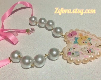 Big Alice In Wonderland Resin Heart Pearl Ribbon Statement Necklace