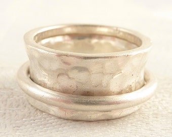 Vintage Size 7 Hammered Mexican Sterling Ring with Thick Concave Band and Moving Ring Around the Band