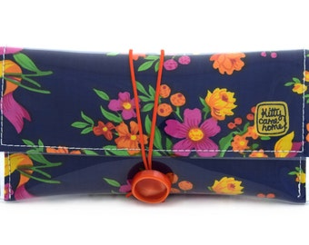 Button Clutch - Colourful floral bouquets vintage fabric