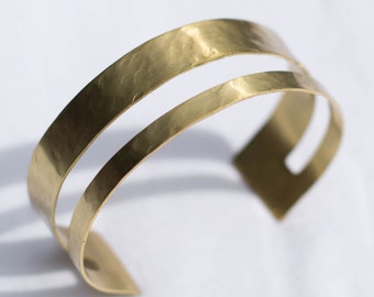 Hammered Cut-Out Brass Cuff | Adjustable | B21604