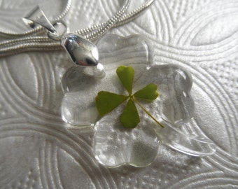 4 Leaf Clover Resin Clover Shaped Pendant with Real 4 Leaf Clover-Gifts For 30-Nature's Wearable Art-Symbolizes Love, Luck, Hope & Faith