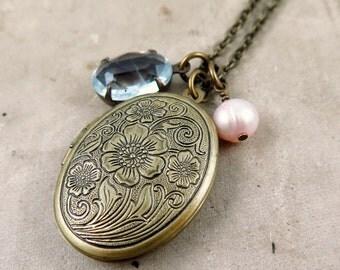 Bridesmaid Locket Necklace, Bridesmaid Jewelry, Wedding Day Locket, Floral Locket, Anniversary Gift