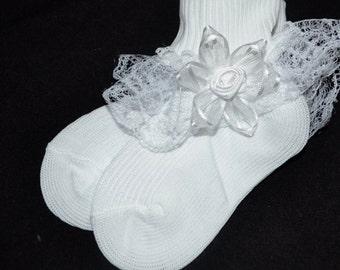 Baby socks, White ruffled socks, ruffled white socks, baby ruffled socks, Christening, lace socks,baby lace socks, Flower lace white socks