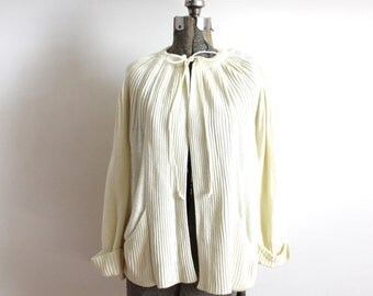 70s Cardigan / 1970s Creamy White Ecru Knit Cardigan