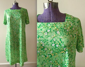 Vintage Green Floral Motif Day Dress - Large