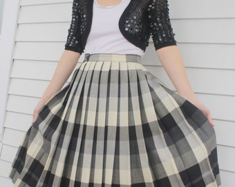 50s Plaid Pleated Skirt Black Off White Gray 1950s Vintage Reversible XS 24 Waist