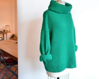 Vintage 1980s OVERSIZE green ribbed turtleneck