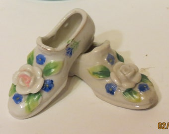2 Collectible Miniature Porcelain Shoes Made in Japan  Floral Decor