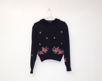 Vintage 1980s Hand Embroidered Wool and Acrylic Cropped Cardigan with Black Velvet Peter Pan Collar