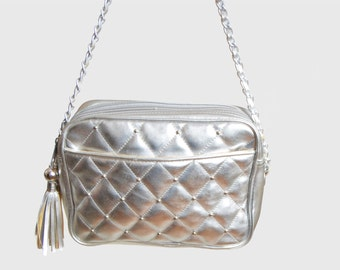Vintage 90s Silver QUILTED PURSE / 1990S STUDDED Chain Strap Bag