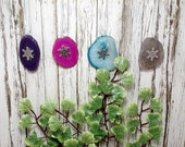 Set of Small Agate Slice Ornaments - Agate With Snowflake Center - Christmas - Yule
