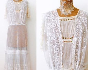 Vintage 1910s Edwardian white lace dress/Vintage wedding dress/Tulle lace flounce/Ribbonwork rosettes/Ruffled sleeves