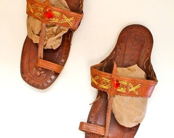 vintage ethic leather sandals - GRECIAN brown strappy sandals  / sz 6-6.5