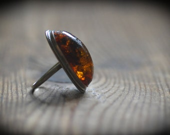 Fiery Amber Ring - Oval Red Cognac Baltic Amber, Large cocktail ring in metal frame vintage MOD 1970ies