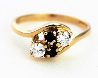 Vintage Ladies Sapphire Cubic Zirconia Ring Cross Over Yellow Gold 9kt 9ct 375 | FREE SHIPPING | Size N / 6.75