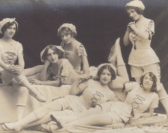 Bathing Beauties Act by Hana Studios London, circa early 1900s.