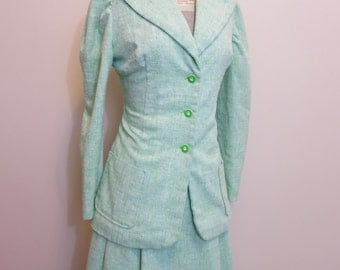 Suit 1940s green tweed with early plastic buttons blazer and skirt L