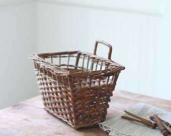 VINTAGE Wicker Wall Basket - Hanging Wall Mount Basket