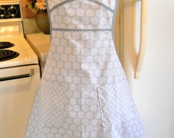 Vintage Style Full Apron in Gray
