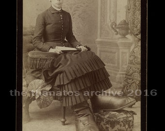 Ultra Rare Cabinet Card Photo ~ Ohio Big Foot Girl