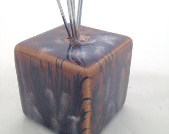 Wire clip photo / postcard / recipe / business card holder - Ceramic - Brown