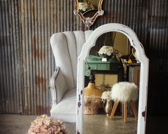 C O R S E T , Curvey Ornate Chippy White Mirror Shabby Chic French Cottage Design