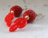 Red Statement Earrings, Summer Red Earrings, Red Floral Earrings, Red Filigree Earrings, Red Bridesmaid Earrings, Vintage Style Red Earrings